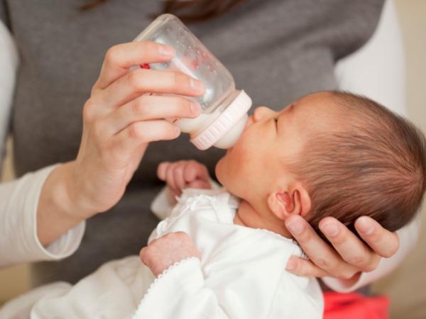 Ακτιβιστές απειλούν να μολύνουν το βρεφικό γάλα στη Νέα Ζηλανδία