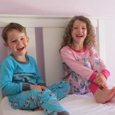Τα πιο μοντέρνα παιδικά πυτζαμάκια της αγοράς από 10 ab89dfc152c