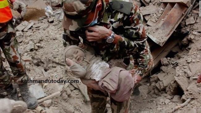 150429120641-nepal-baby-rescue-3-super-169