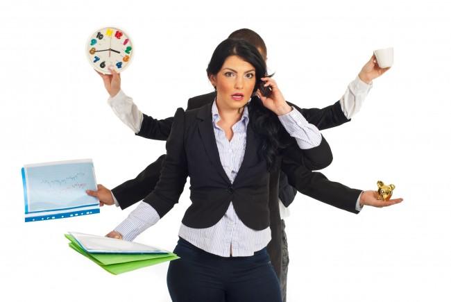Οι εργαζόμενες γυναίκες παραμένουν κακοπληρωμένες και απροστάτευτες