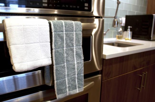 Everplush-Kitchen-Towel-hang-copy