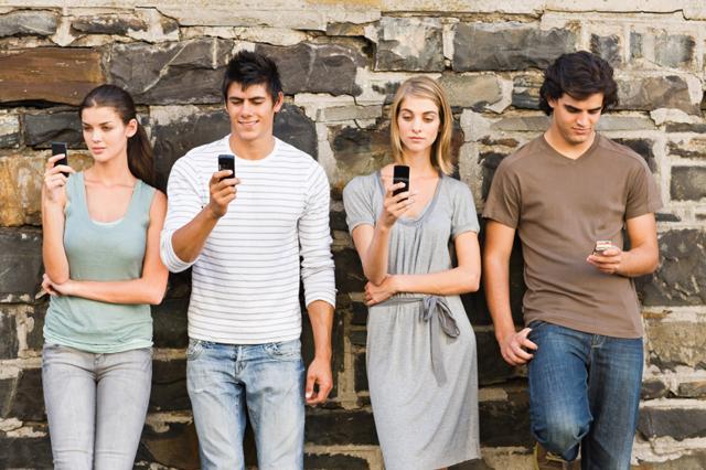 Smartphone-users-in-America-post