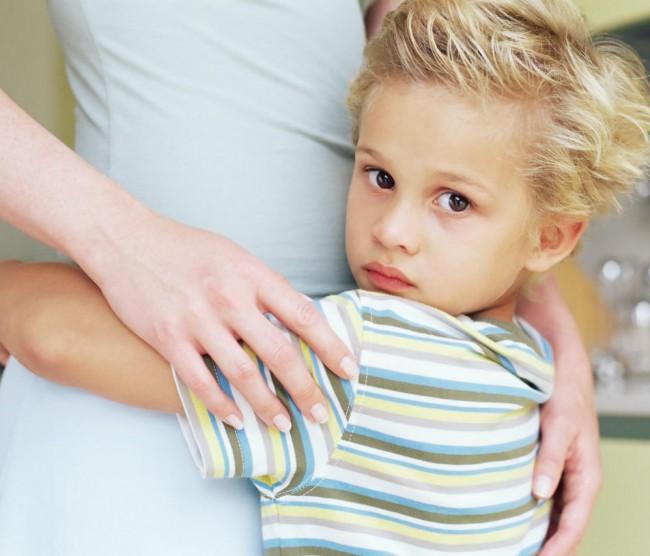 child-hugs-mom