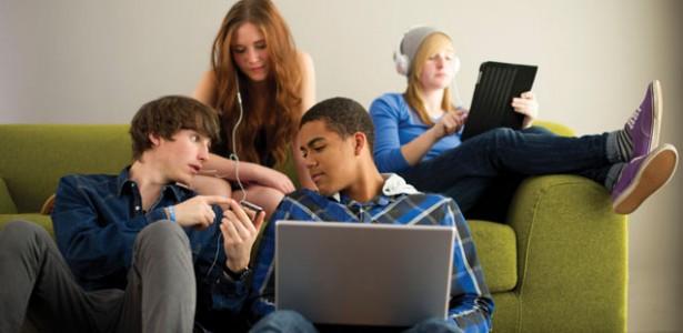 teens-technology-615x300