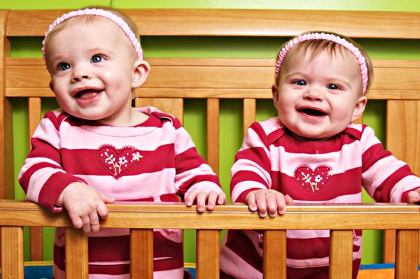 twin-baby-girls