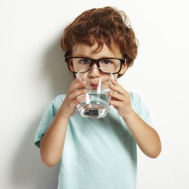 620xNxchild_drinking_water.jpg.pagespeed.ic.JpIg2l4R8K