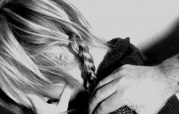 Σάλος στη Θεσσαλονίκη: 15χρονη καταγγέλλει βιασμό από 36χρονο με τη συνδρομή της συντρόφου του