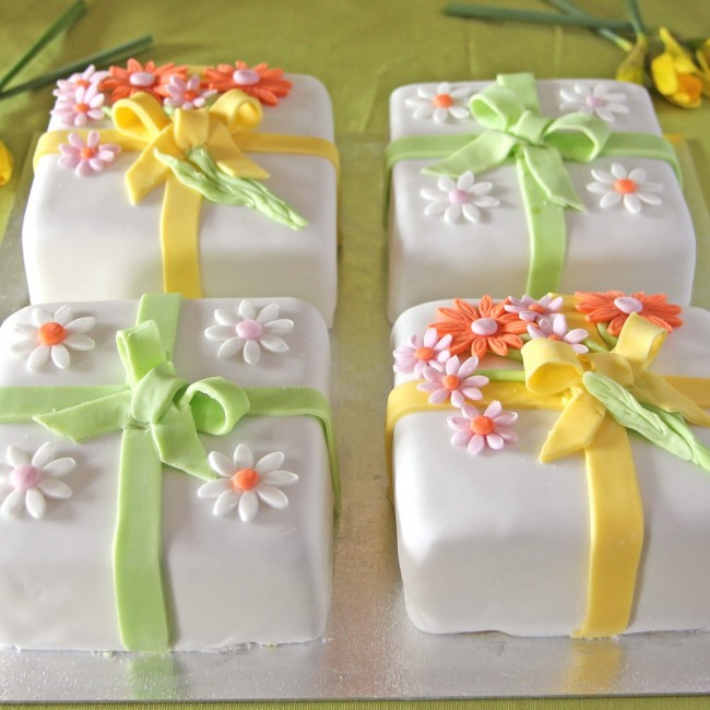 Mothers-Day-celeb-cakes-web