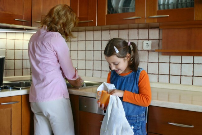 involving-kids-in-household-chores-1