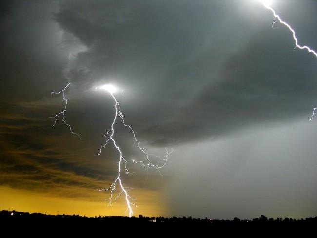 lightning-storm-bolt-thunder2