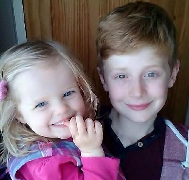 12χρονος έσωσε την αδερφή του από πνιγμό – Το βίντεο με τις πρώτες βοήθειες που τον καθοδήγησε!