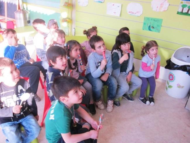 παιδάκια με γλυφιτζούρια