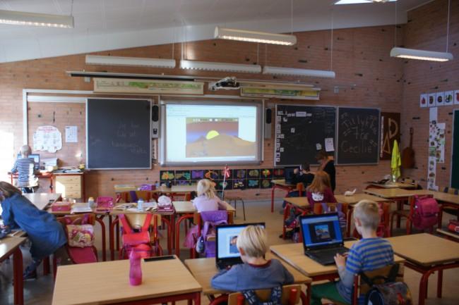 «Μάθημα με τα πρωτάκια»: Η εμπειρία μιας Ελληνίδας δασκάλας σε Δημοτικό Σχολείο της Δανίας – Εκεί όπου η εκπαίδευση πρωτίστως διασκέδαση