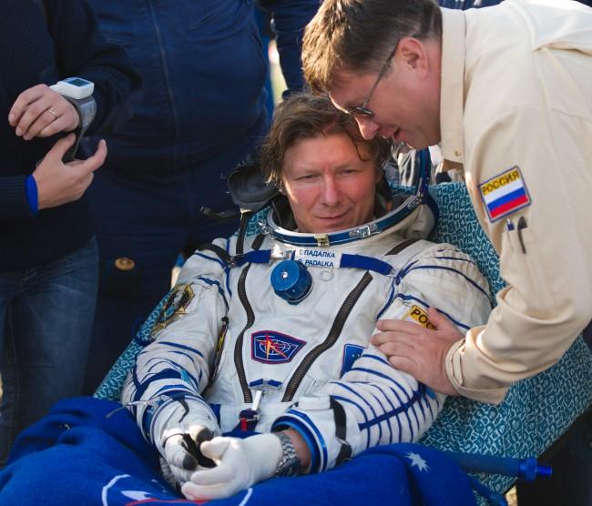 Soyuz_TMA-04M_Gennady_Padalka_shortly_after_landing
