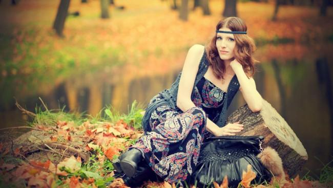 Woman-Wearing-Maxi-Dress