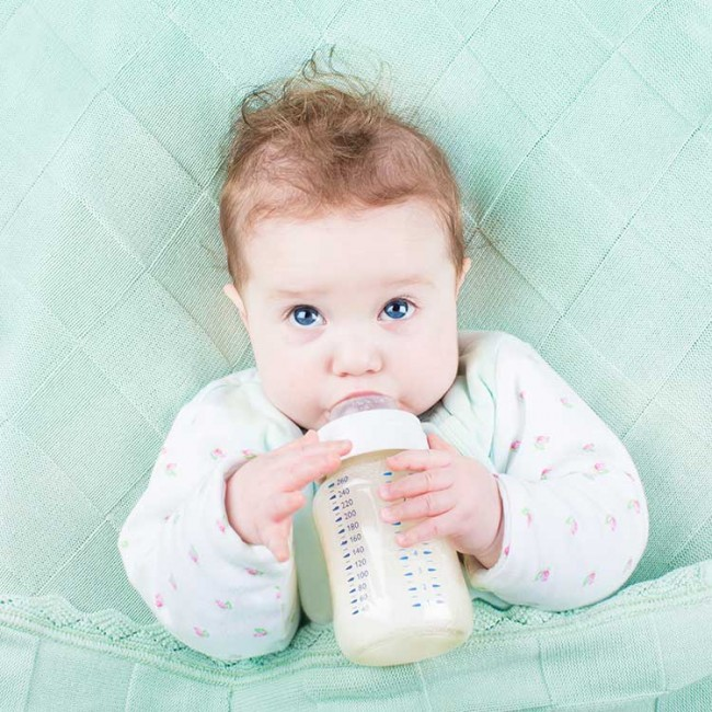 baby-bottle-breast-milk-drink