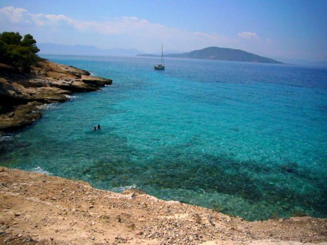 Σαββατοκύριακο στην Αίγινα…Βουτάμε στις καλύτερες παραλίες της!