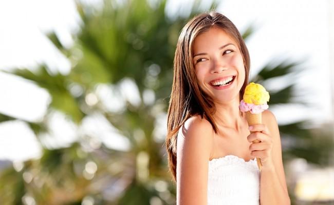 dailyweighin-woman-enjoying-an-icecream-650x400