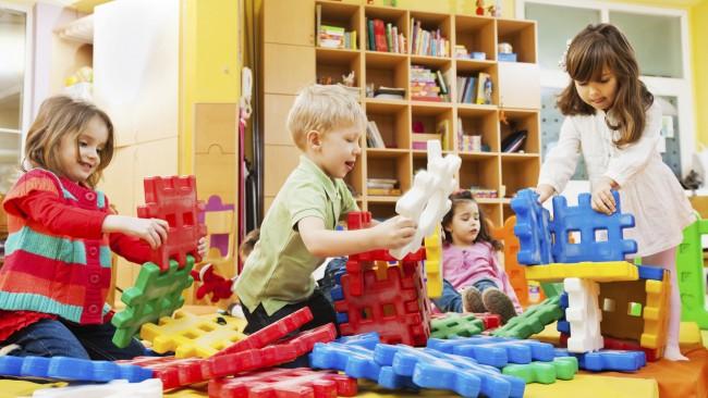 preschoolers-playing