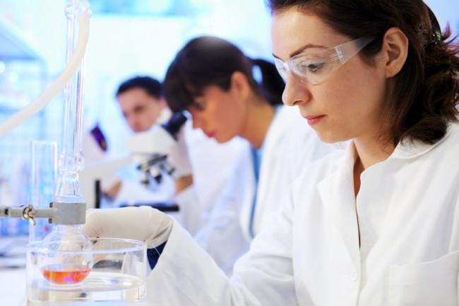 istock_000015587761medium-lab-workers