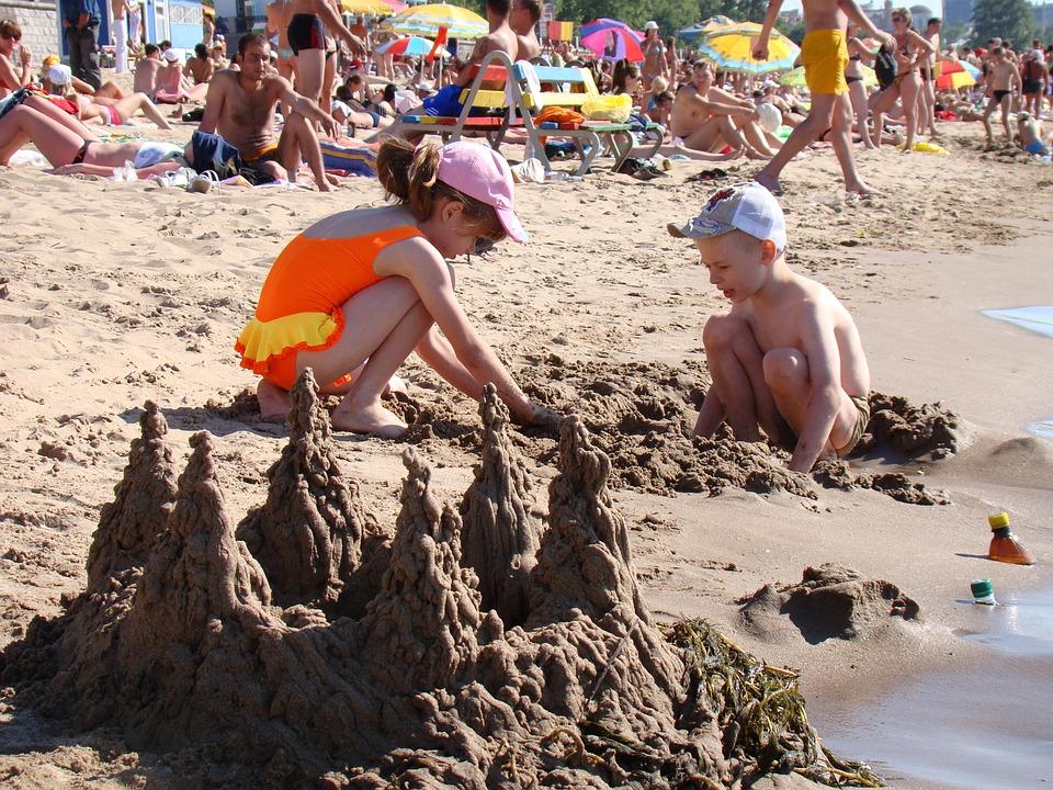 """""""Γονείς στην παραλία…"""": Η περιπέτεια μιας αναγνώστριας"""