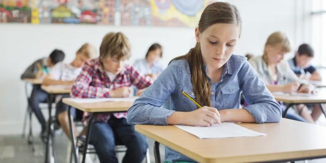 o-KID-NOT-FOCUSING-IN-CLASS-facebook