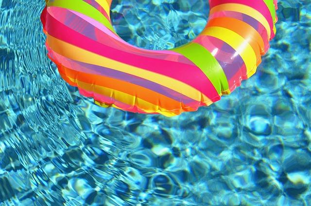 swim-ring-84625_640