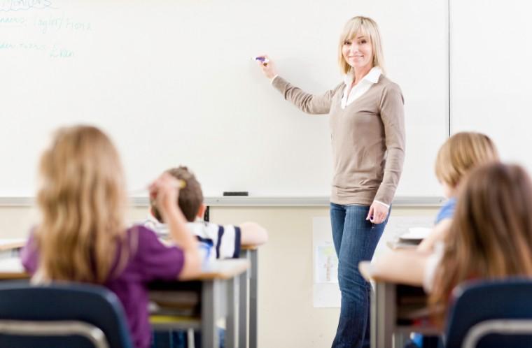 «Πράσινο φως» για 2.000 προσλήψεις αναπληρωτών και ωρομίσθιων εκπαιδευτικών