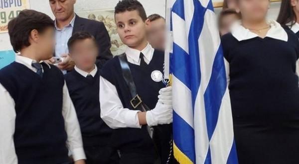 Συγχαρητήρια στον 11χρονο τυφλό αριστούχο σημαιοφόρο: «Δεν το διάλεξα να γεννηθώ τυφλός. Αυτό που διάλεξα είναι να είμαι καλός μαθητής»