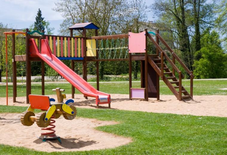 18 πιστοποιημένες παιδικές χαρές στον Δήμο Ιλίου εξασφαλίζουν στα παιδιά ξέγνοιαστο και ασφαλές παιχνίδι!