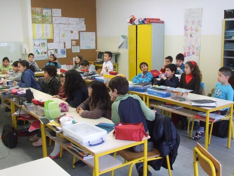 """Κεραμέως: """"Στόχος να μην ξανακλείσουν τα σχολεία"""" - Μακρή: """"Οι μαθητές θα είναι καλύτερα προστατευμένοι"""""""
