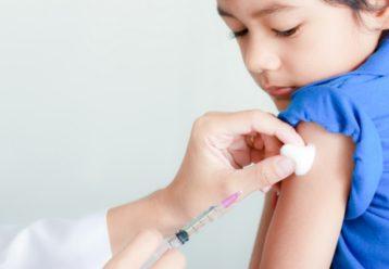 Εμβολιασμός παιδιών κάτω των 12 ετών: Αίτημα αδειοδότησης από τη Pfizer έως τα τέλη Σεπτεμβρίου