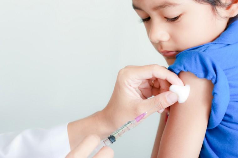 Ένωση Πνευμονολόγων: Ποια παιδιά θα πρέπει να εμβολιαστούν για γρίπη και πνευμονιόκοκκο
