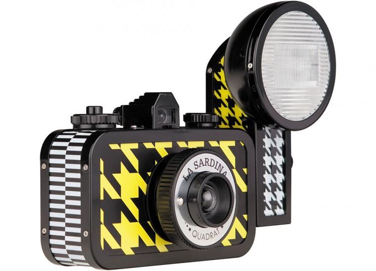 Film Camera Lomo La Sardina & Flash Quadrat