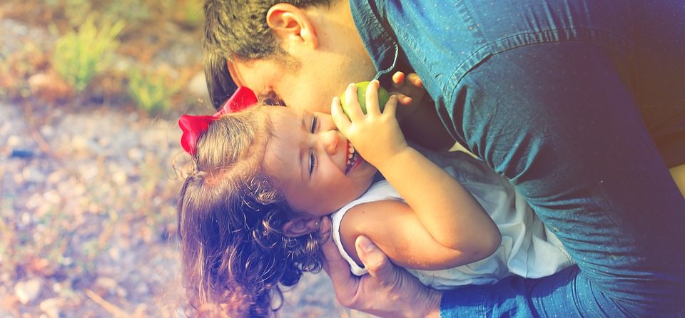 Αγαπήστε άνευ όρων τα παιδιά σας - Η αγάπη δεν έβλαψε ποτέ κανέναν
