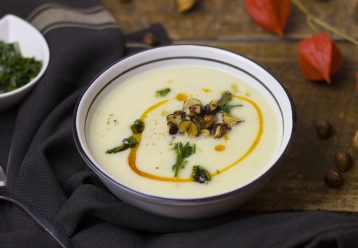 Σούπα με πατάτα, καλαμπόκι και κρέμα γάλακτος
