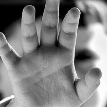 Φρίκη στη Βοιωτία: Πατέρας κατηγορείται ότι ασελγούσε στον 14χρονο γιο του