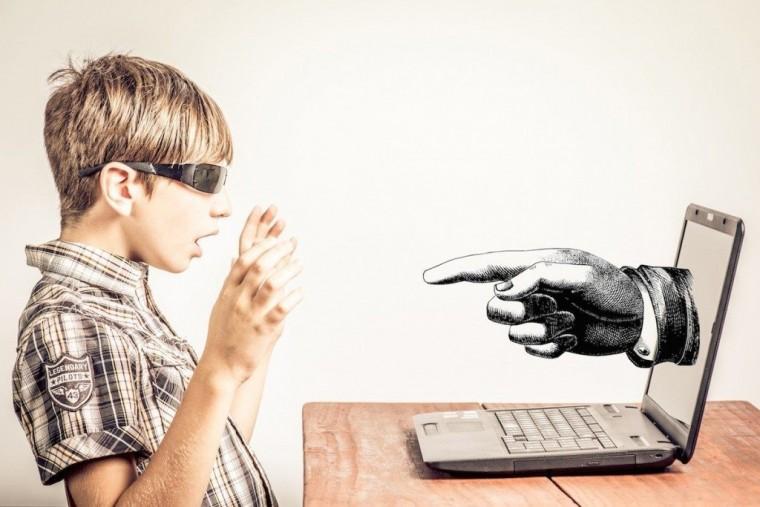 kids-internet-safety-1024x683