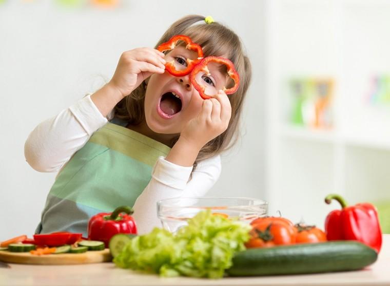 Αυξήστε τα φρούτα και τα λαχανικά που καταναλώνουν τα παιδιά!
