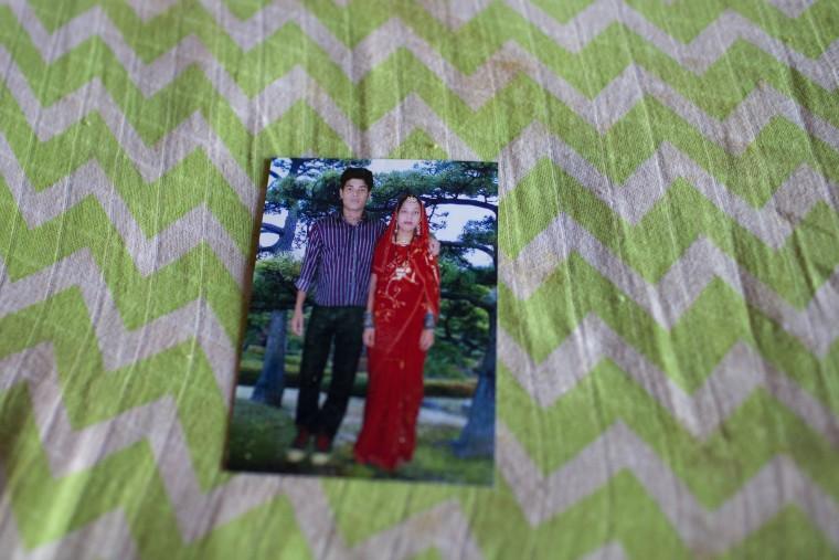 Η Nazma Akhter και ο σύζυγός της Jewel, ο οποίος σκοτώθηκε στην κατάρρευση του εργοστασίου Rana Plaza Φωτογραφία: Probal Rashid/ ActionAid