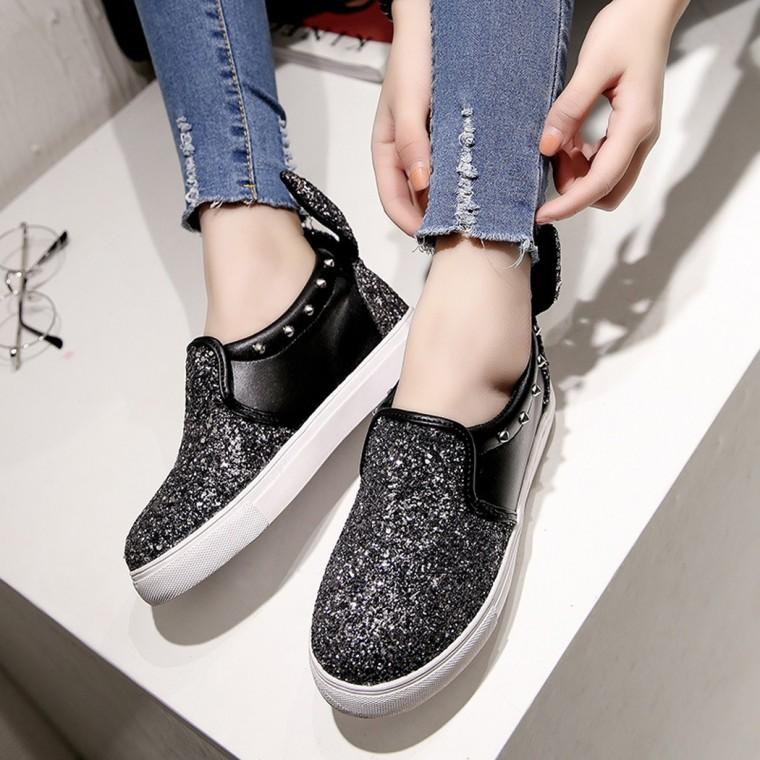 205d3e9566d2 Flatforms: Η τάση στα γυναικεία παπούτσια που εδραιώθηκε!   InfoKids