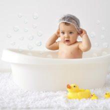3f6ba0d2342 Αυτό είναι το μυστικό για να κάνουμε παιχνιδάκι το μπάνιο του μωρού!