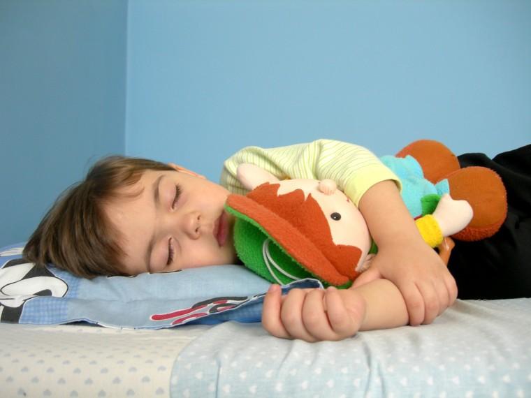 kid-sleeping