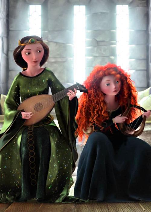 Elinor-and-Merida-queen-elinor-35556434-500-701
