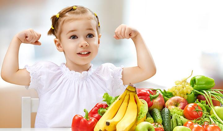 6 απλές πρακτικές για να βελτιώσετε τη διατροφή του παιδιού σας