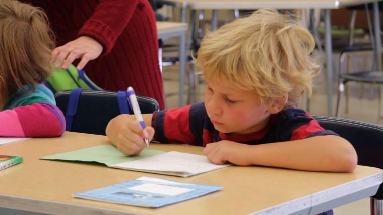 «Μάθε παιδί μου…τα Ρωσικά σου!»: Γιατί οι Έλληνες επιλέγουν όλο και περισσότερο αυτή τη ξένη γλώσσα για τα παιδιά τους;