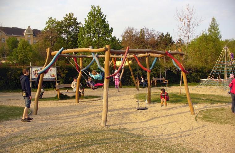 Δ. Νεάπολης- Συκεών: Θα ανακατασκευαστούν πλήρως 38 παιδικές χαρές για την ασφάλεια των παιδιών
