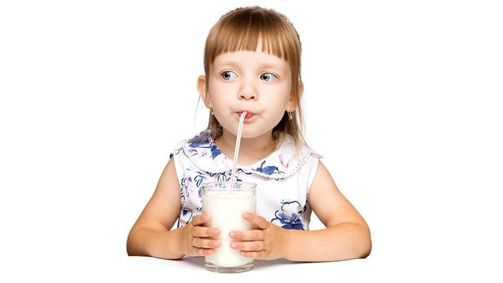 kid-drink-milk
