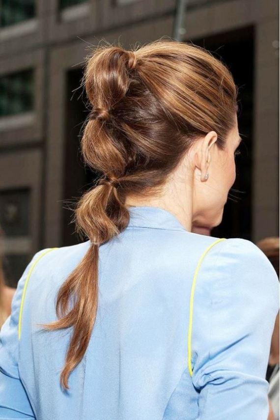 Με το κατάλληλο styling μπορεί να συνοδεύσει ακόμα και μία κομψή εμφάνιση