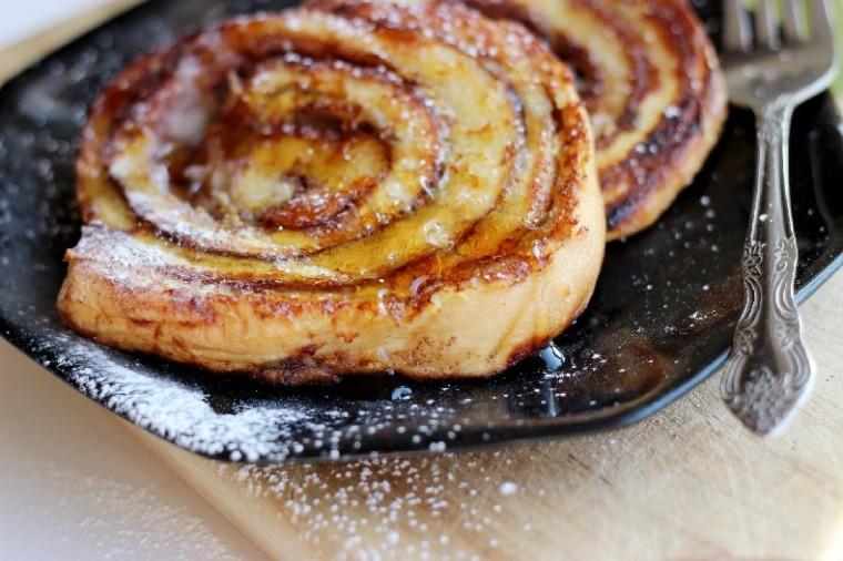 cinnabon-cinnamon-roll-french-toast